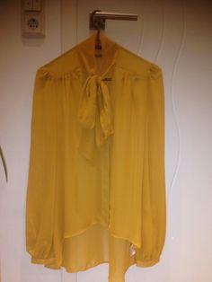 Gelbe Bluse mit Schleife - kleiderkreisel.at