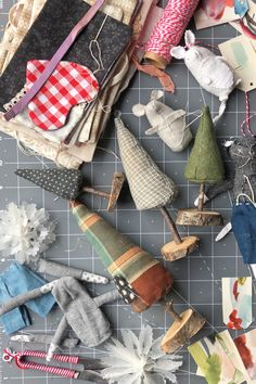 little gifts to make and sweet wrapping ideas – ann wood handmade Christmas Crafts To Sell Bazaars, Christmas Decorations To Make, Christmas Diy, Scandinavian Christmas, Christmas Christmas, Wrapping Ideas, Handmade Crafts, Diy And Crafts, Brown Paper Wrapping