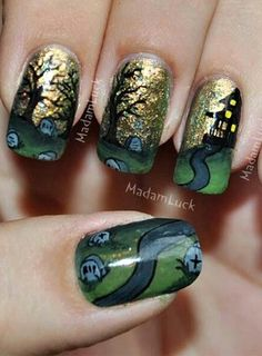 Photo La manucure paysage d'Halloween de MadamLucks Beauty Journey - Les 100 nail art terrifiants d'Halloween - Beauté - Be.com