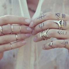 #stealthelook #look #looks #streetstyle #streetchic #moda #fashion #style #estilo #inspiration #inspired #acessorios #rings #dourado #aneis