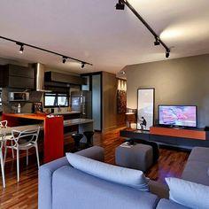 Inspiração ♡ #interiores #design #interiordesign #decor #decoração #decorlovers #archilovers #inspiration #ideias #integrado #sala #living #saladetv #hometheater #saladejantar #diningroom #cozinha #kitchen #renatapopolo