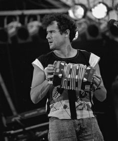 johnny clegg | Johnny Clegg - - Vos plus belles photos de concert Week End En Famille, Steve Martin, Zulu, Colour Palettes, Pop Music, Black And White Photography, Touring, Movie Stars, Singers