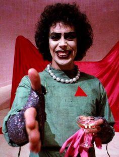 Tim Curry como el Dr. Frank-N-Furter en Orgía de Horror y Locura (The Rocky Horror Picture Show, 1975)