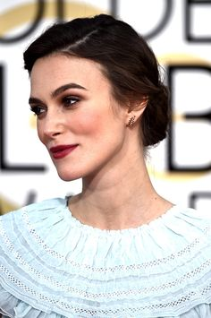50 shades of brunette: inspiration to take to your hairdresser: Keira Knightley Keira Knightley Makeup, Keira Knightley Chanel, Kira Knightley, Diy Wedding Hair, Wedding Hair And Makeup, Bridal Hair, Hair Makeup, Shades Of Brunette, Makeup Eyes