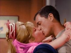 I Dream of Jeannie - Tony and Jeannie kissing