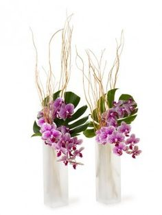 B Floral is a floral design company,  Bronwen Smith   New York, NY, USA  http://bfloral.com/