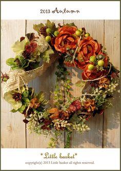 ~*Little basket*2013季節の雑貨シリーズ♪☆フレンチロマンティックな秋のリースドライ素材とアーティシャル素材です。オレンジカラーのラナンキュ...|ハンドメイド、手作り、手仕事品の通販・販売・購入ならCreema。