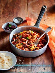Špagety s klobásou a olivami   Recepty.sk