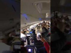 Boricuas forman tremendo rumbon en un avion de JetBlue