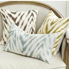 """Wilde Pillow - 18"""""""