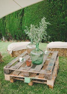 Un decorado especial para una boda con claros aires #rústicos y #campestres, sencillo y natural #boda @innovias