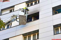 BF Wien: Zimmerbrand im 5.Stock eines Hochhauses nahe Praterstern #fire #feuerwehr #feuer #brand