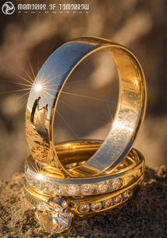 Wedding Pictures These Wedding Ring Photos Have Reflections of the Newlyweds - Here's a neat way to take your photos of wedding rings to the next level: include the couple in the reflections. Wedding photographer Peter Adams-Shawn of Wedding Poses, Wedding Photoshoot, Wedding Shoot, Wedding Engagement, Engagement Photos, Wedding Day, Wedding Rings, Engagement Rings, Wedding Ceremony
