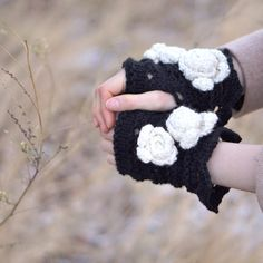 Rose Onie Classic Fingerless Gloves, Hand Warmers - Black with Ivory accents - Merino Wool