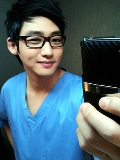 Lee Tae Sung - so cute in glasses!