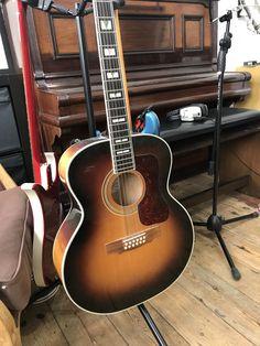 https://www.londonguitaracademy.com/lessons/group-guitar-classes