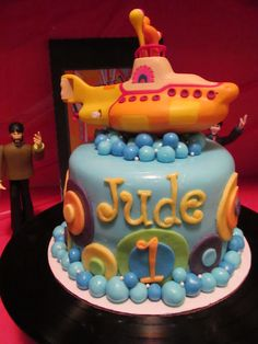 I've always loved the name Jude for a boy and I would totally do this for a first birthday!!