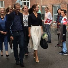 Crown Princess Mary attend the event 'Kaerlig Talt' (Loving action), August 2015 Princesa Mary, Crown Princess Victoria, Crown Princess Mary, Kenzo, Denmark Royal Family, Princess Marie Of Denmark, Princess Madeleine, Full Skirts, Royal Fashion