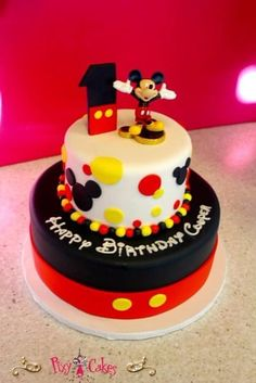 62 ideas of best birthday cake mickey mouse 2019 Bolo Do Mickey Mouse, Mickey And Minnie Cake, Fiesta Mickey Mouse, Mickey Cakes, Mickey Mouse Clubhouse Birthday, Mickey Mouse Parties, Mickey Birthday, First Birthday Cakes, Boy Birthday