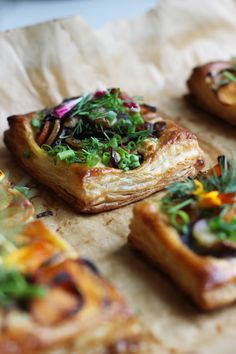 Carrot Herb Cheese Tart Fried Goat Cheese, Cheese Tarts, Savory Tart, Sweet Pie, Finger Foods, Sweet Recipes, Healthy Snacks, Carrots, Breakfast Recipes