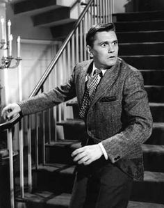 Bewitched (1964-72)  Dick York as Darrin Stephens