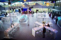 Ein brandneues Modell hat das Autohaus Schaal aus Bitburg seinen VIP-Kunden Ende Oktober präsentiert: Die sechste Generation des BMW 7er stand – zunächst noch verhüllt – mitten auf der Schaufläche. Um diesen Anlass angemessen zu feiern, wurden die 130 Gäste des Autohauses zum Dinner eingeladen. #bmw #automotive #event #eventprofs #design