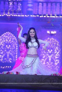 Sanjeeda Shaikh Indian Tv Actress, Beautiful Indian Actress, Indian Actresses, Zero Size, Beautiful Saree, Beautiful Soul, Beautiful Models, Punjabi Girls, Actress Navel