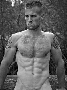 Galeria: Adam Coussins tira a roupa para ensaio quente e explícito - Homens em Lifestyle no A Capa