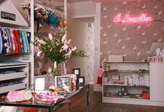 Welcome to B London, of luxury beachwear boutique and beauty spa. B London is a one-stop-shop to fulfil your entire beach and beauty needs. Beauty Spa, London, Boutique, Mirror, Luxury, Home Decor, Decoration Home, Room Decor, Mirrors
