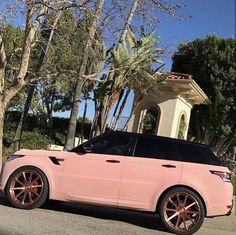 Uploaded by Zoé. Find images and videos about pink, car and range rover on We Heart It - the app to get lost in what you love. Pink Range Rovers, Range Rover Sport, Fancy Cars, Cute Cars, My Dream Car, Dream Cars, Dream Life, Fast Sports Cars, Sport Cars