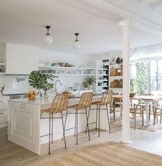 〚 Cozy designer's home in Barcelona 〛 ◾ Photos ◾ Ideas ◾ Design #white #kitchen #island #country #interior #design #homedecor #home #decor #interiordesign #idea #inspiration #cozy #living #space #style