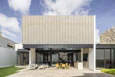 Galería de Un Patio / P11 Arquitectos - 7