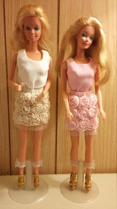 Lacy roses skirt set for Barbie includes shoes