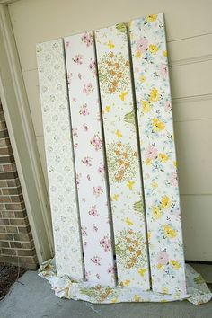 EmmmyLizzzy: Tutorial: Fabric Covered Shelves - old sheets purchased at yard sales Do It Yourself Design, Do It Yourself Inspiration, Ideias Diy, Vintage Sheets, Vintage Fabrics, Vintage Linen, Ideas Geniales, Home And Deco, My New Room