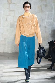 Loewe - Fall 2015 Ready-to-Wear - Look 18 of 36?url=http://www.style.com/slideshows/fashion-shows/fall-2015-ready-to-wear/loewe/collection/18