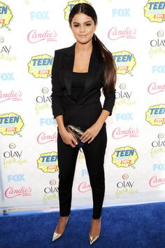 The best looks from last night's Teen Choice Awards: Selena Gomez