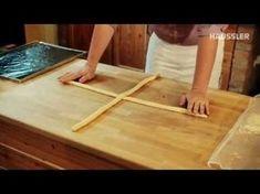 Zubereitung und Flechten eines Hefezopfes - YouTube