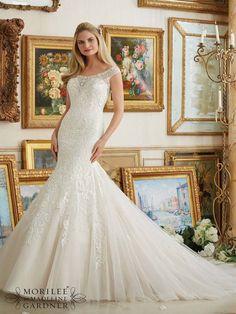 Washington #MoriLee #Exeter #Plymouth #Devon #Cornwall #weddingdress #bride #DressingYourDreams #LowBack