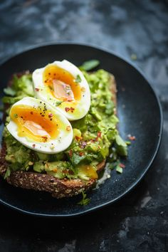 AVOCADO TOAST WITH FOOLPROOF SOFT BOIL EGG