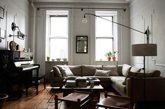 Foto | Pia Ulin  Lägenheten ligger i Brooklyn | New york, är plåtat av Pia Ulin och hennes senaste bok Monochrome home. En briljant bok som enligt mig, bör ägas av alla som älskar vackra...