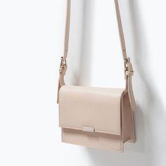 Zara bag creme Zara bag of cream Baskets Louis Vuitton, Mini Messenger Bag, Zara Bags, Burberry Handbags, Burberry Bags, Black Cross Body Bag, Cute Bags, Luxury Bags, Mode Inspiration