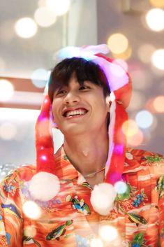 Asian Boys, Thailand, Merry Christmas, Celebs, Smile, Actors, Instagram, Dark Blue, Kiss