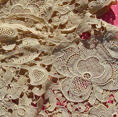 Lovely Vintage Ecru Lace....be still my heart!