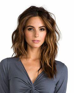 coupe de cheveux tendance coupe asymétrique coiffure 2016 cheveux longs nuances caramel