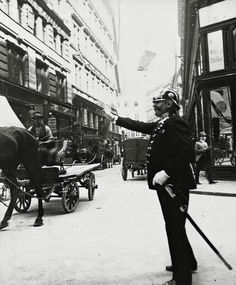 Extraordinary Candid Vintage Photographs That Capture Street Scenes of Vienna, Austria From the and Vintage Photographs, Vintage Photos, Good Ol Times, Rue, Old Photos, The Past, Old Things, Street View, Black And White