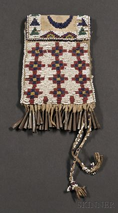 Native American Regalia, Native American Design, Native American Beadwork, American Indian Art, Archaeology For Kids, Apache Indian, Beadwork Designs, Nativity Crafts, Beaded Bags