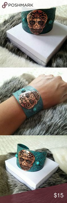 🔴$12 If Bundled🔴Sugar Skull Cuff NWOT Brand new without tags,  metal sugar skull cuff. Jewelry Bracelets