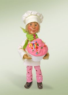 Byers Choice Kindle Elf Chef with Cupcake