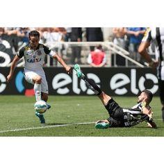 Sport Club Corinthians Paulista - Magic Jadson se prepara para bater e marcar o segundo do Timão contra o Santos!  Foto: Rodrigo Gazzanel/Agência Corinthians  #Corinthians #Timão #ArenaCorinthians #Brasileirão #CORxSAN #VaDe99taxis #aVidaPedeUmaSoTorcida #NikeFutebol #MatrixFitness #SocioTemDescontoEmBrahma #TorcidaDeRaça #AmigoFiel #SpecialDog #TIM #replaytorcedor #VaiCorinthians