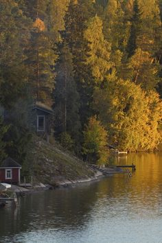 Your insider source for everything travel related: where to go, eat, sleep and play, plus what to wear while you're there. House Nature, Water House, Boat Dock, Screened In Porch, House In The Woods, Water Features, Where To Go, Finland, Wilderness